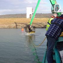Op stromend water werkt de duiker vanuit de manbak
